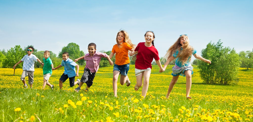 asthma-children-running-in-the-park-kids